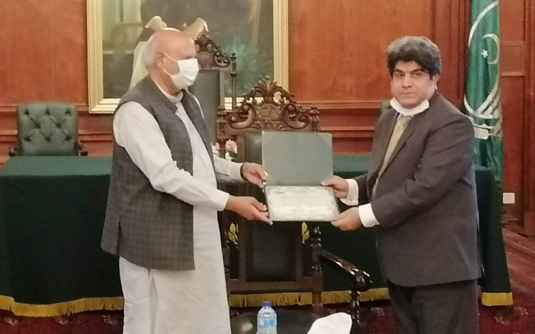 Governor of Punjab, Chaudhry Muhammad Sarwar applauded and recognized the efforts of QARSHI FOUNDATION TRUST and declared Mr. Iqbal Ahmed Qarshi as our HERO in war against COVID-19.